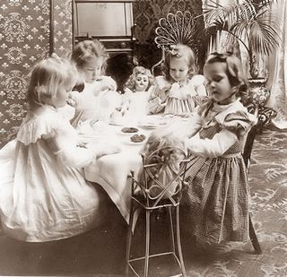 Children-tea-party